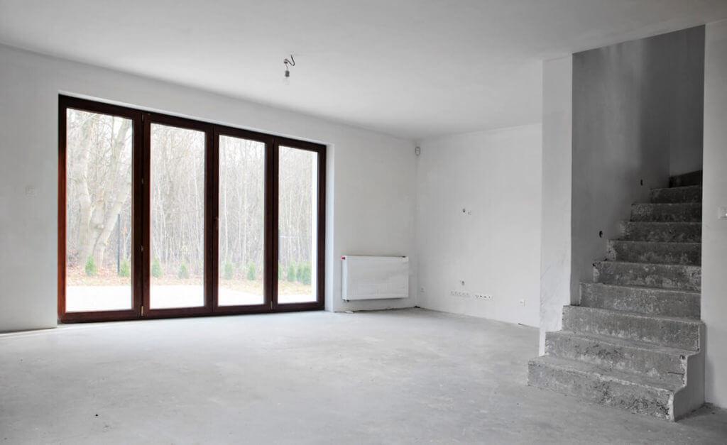 Wylana posadzka w mieszkaniu przez firmę budowlaną MMBujak zajmującą się wylewaniem posadzek na terenie Lublina i okolic